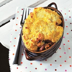 Cheesy chili bake